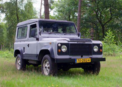 Land Rover 90 rechts zij