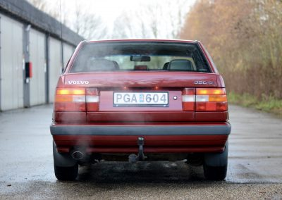 Volvo 850 pearl red achterkant