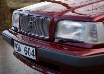 Volvo 850 pearl red front