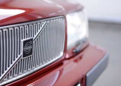 Volvo 850 pearl red grille