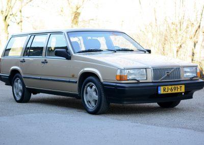 Volvo 745  rechts voor