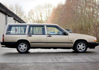 Volvo 745 zijkant rechts