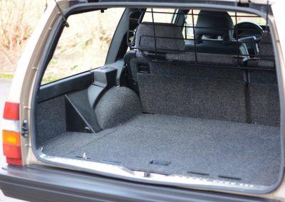 Volvo 745 kofferbak links