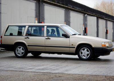 Volvo 745 rechts