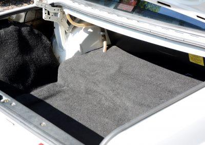 Volvo 244 wit kofferruimte