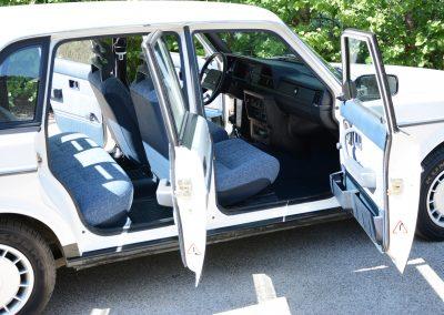 Volvo 244 wit deuren