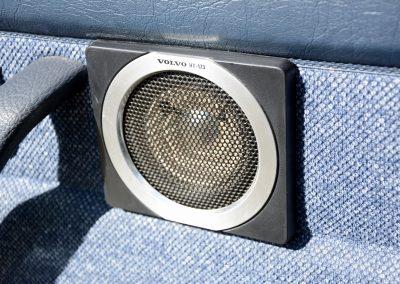 Volvo 244 wit speaker