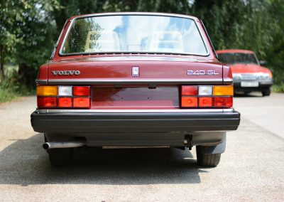 Volvo 244 Bordeaux rood