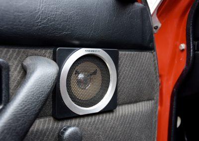 Volvo 240GL speaker