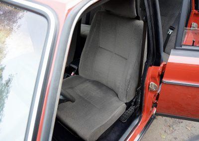 Volvo 240GL voorstoel