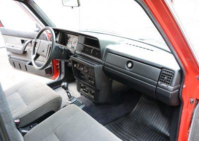 Volvo 240GL dashboard