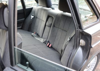 Volvo 244 antraciet achterbank
