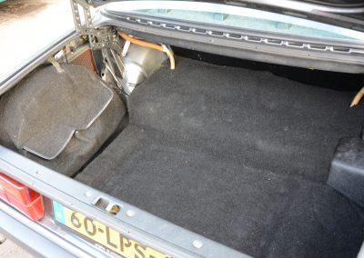 Volvo 244 antraciet kofferbak