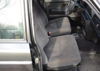 Volvo 244 antraciet stoelen