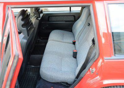 Volvo 745 rood achterbank