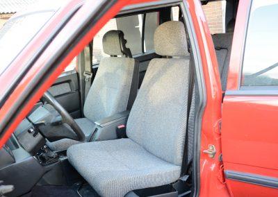 Volvo 745 rood stoelen