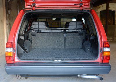 Volvo 745 rood kofferbak