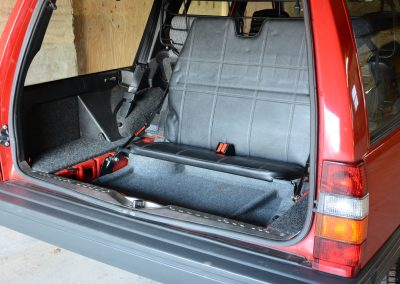 Volvo 745 rood derde bankje
