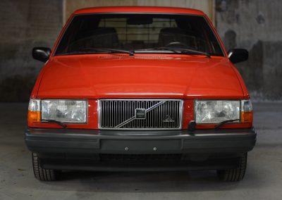 Volvo 745 rood voor