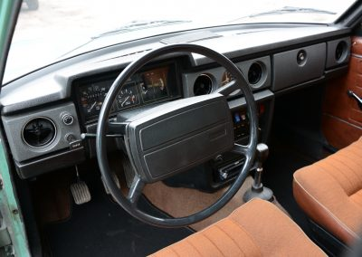 Volvo 144 dashboard