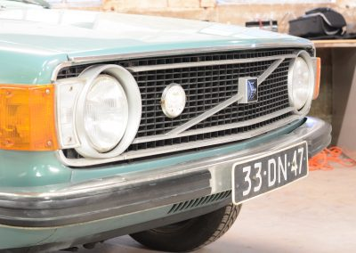 Volvo 144 front