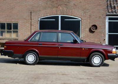 Volvo 244 zijkant