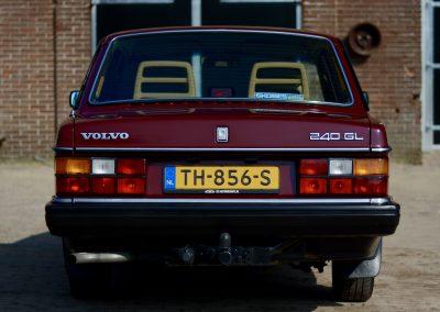 Volvo 244 achter