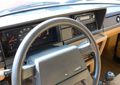Volvo 244 dashboard