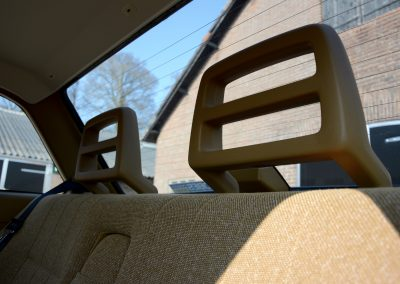 Volvo 244 hoofdsteunen