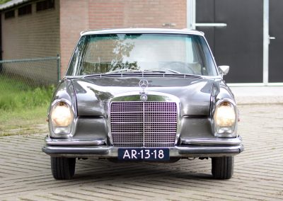 280SE W108 voorkant