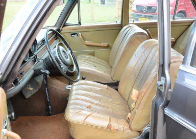 280SE W108 voorstoelen