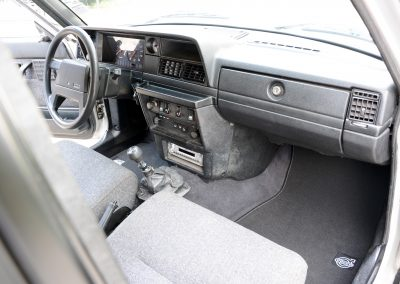 Volvo 245 Polar dashboard