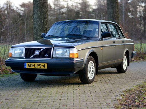 Volvo 244 – 1991 – 134.000 km – € 7.950