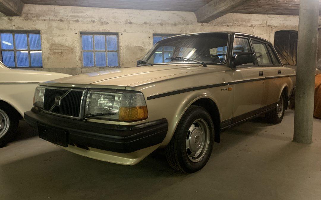Verwacht: Volvo 240 DL sedan uit 1987