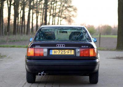 Audi 100 achter