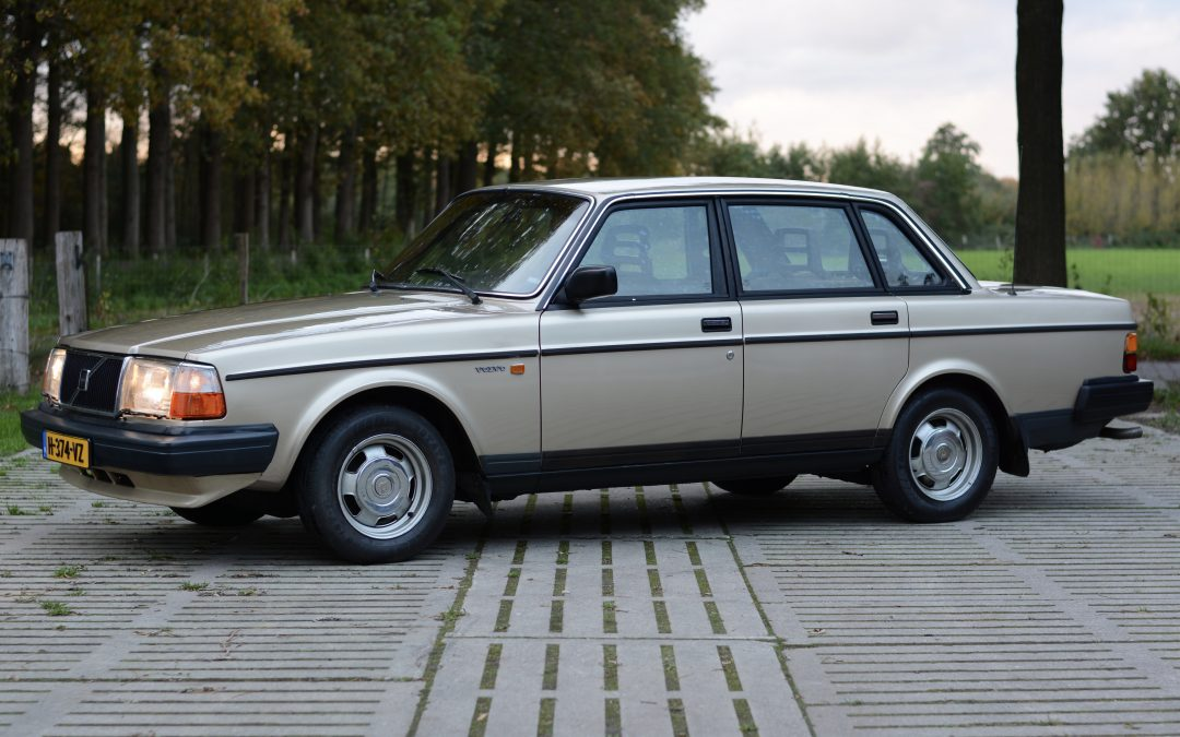 Volvo 244 DL – 1987 – 165.000 km – € 8.450